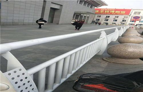 黄冈桥梁护栏桥梁栏杆使用钢材