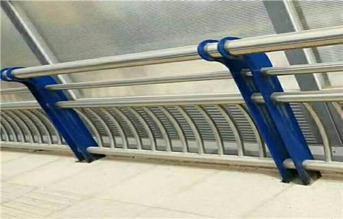 张家界q235钢板立柱不锈钢护栏