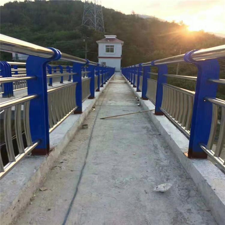 辽宁锌钢护栏厂等级标准
