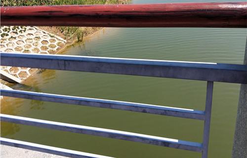 汉中防撞护栏图片展示