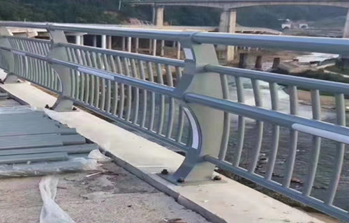 安康桥梁防撞护栏行业分析