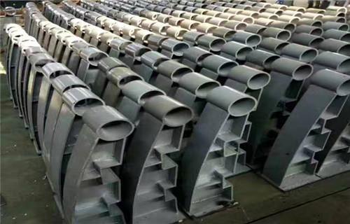 内江钢板立柱供应展翼金属