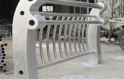 怀化不锈钢防撞栏价格低