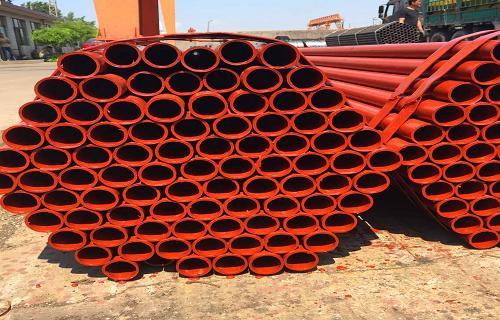 河北廊坊建筑工地用来搭架子的钢管