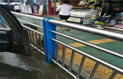 临沂公路防撞护栏新闻
