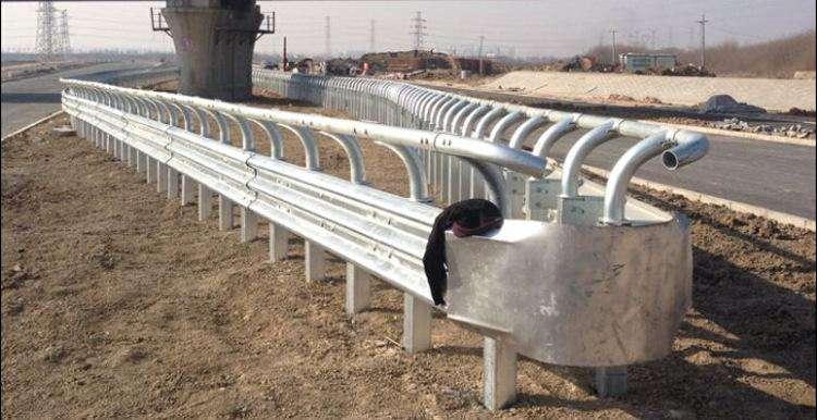 供应长沙波形护栏 乡道改建波形护栏