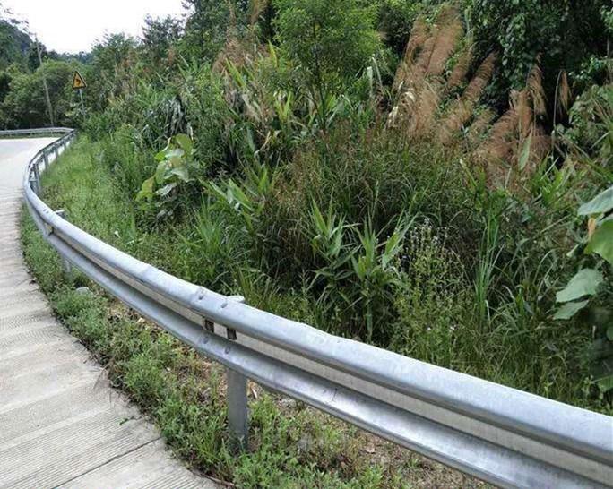 海达直销厦门乡村公路双波护栏板/Gr-A-2C波形梁护栏