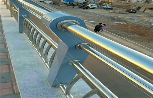 洛阳专业制作桥梁护栏多少钱一米
