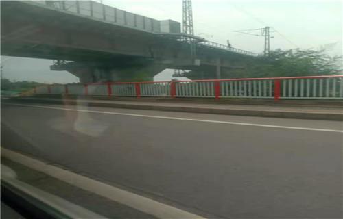 锦州专业制作桥梁护栏多少钱一米