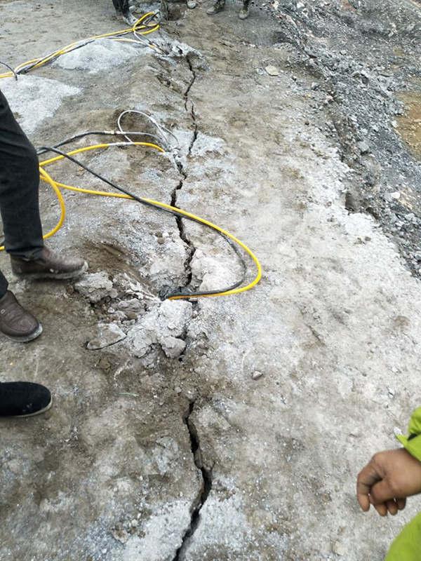 三明/开山开挖破除花岗岩的机器