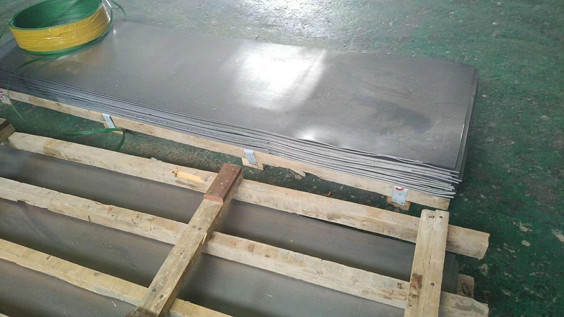 湖南CT室电动铅门厂家不锈钢面