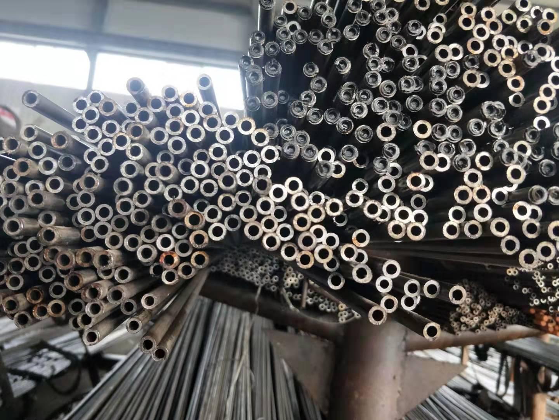 乌鲁木齐输送油用无缝钢管厂家现货