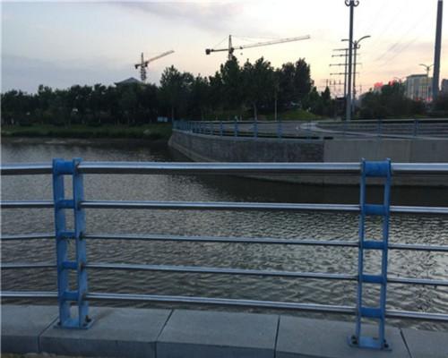 梅州桥梁栏杆供货商