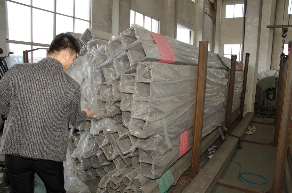 锦州201不锈钢装饰管价格