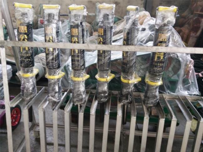 裂石机液压分裂机采石场劈开石料用大型劈裂机