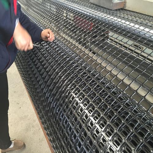 资讯:玉树双向经编玻纤土工格栅GSB50代理厂家