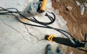 兰山煤矿洞里面都有什么用来方便人工开采的机器