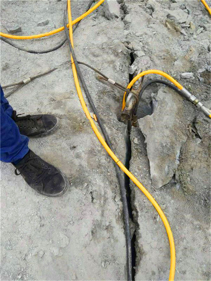 秀屿方解石太硬用什么机器开采效率快