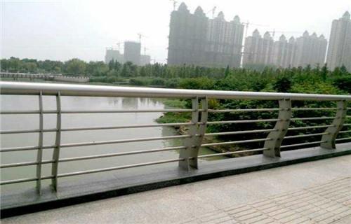 辽宁锦州不锈钢复合钢管质量上乘