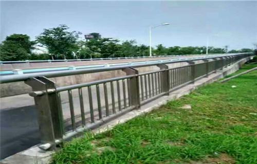 西藏桥梁复合管防撞护栏材质规格齐全