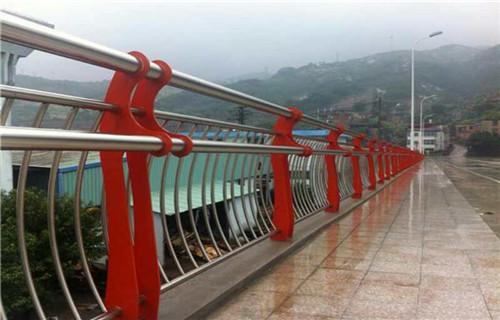 蚌埠碳鋼護欄鋼板立柱價格合理
