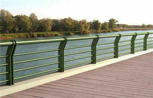 泉州护栏钢板立柱质量好