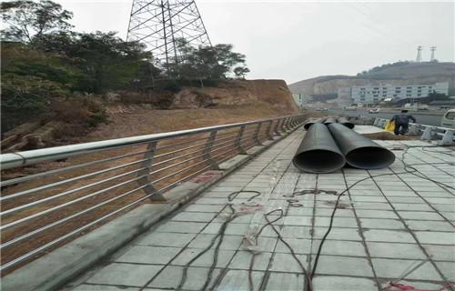 北京防撞桥梁道路灯光护栏型号齐全