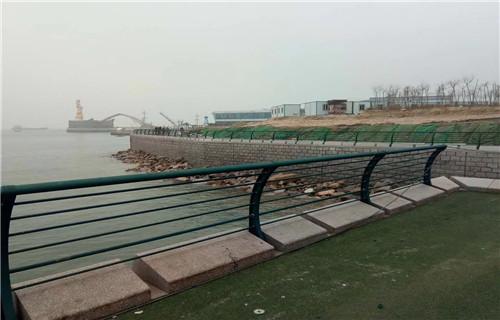 海南海口1.1米桥梁护栏钢板立柱尺寸