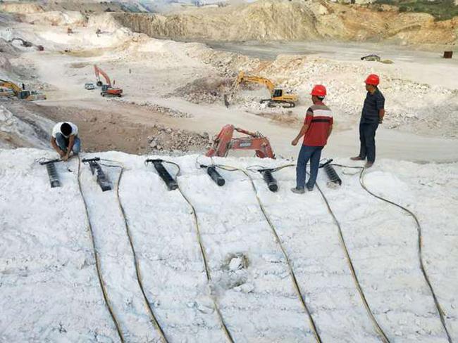 江西省桥面拆除分裂机露天开采大型液压劈裂机配件规格