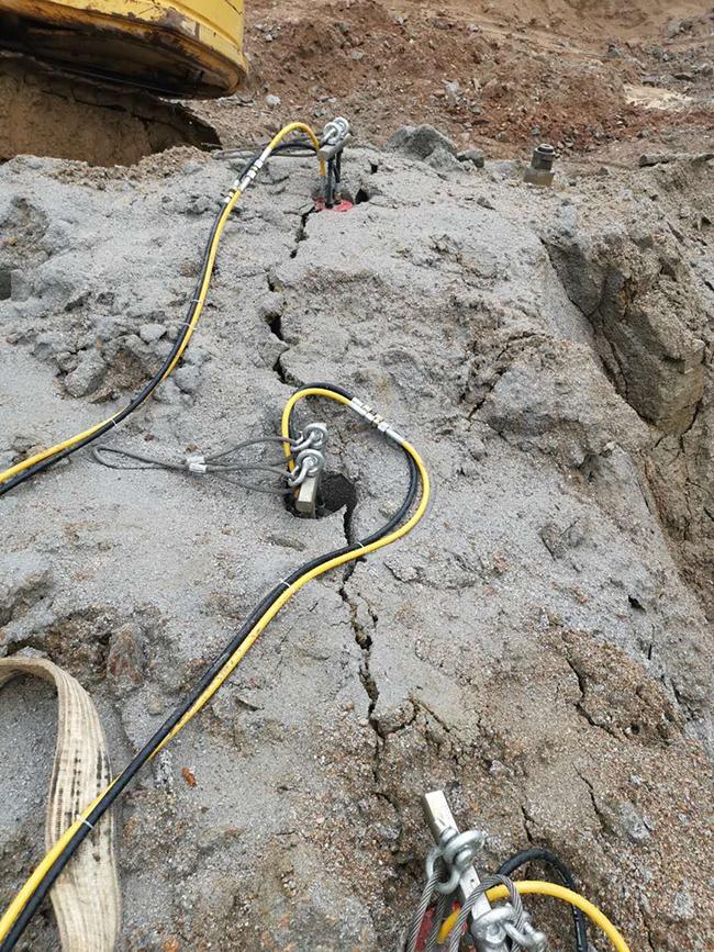 江西省大型岩石分裂机专业劈裂坚硬的基坑岩石联系