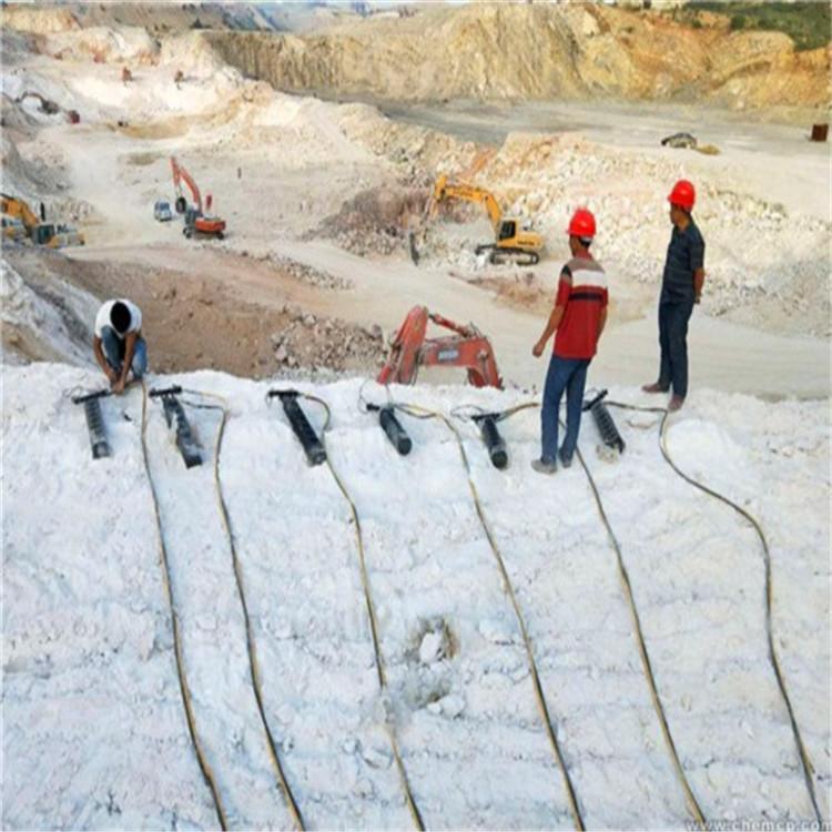 湖南桃江液压顶石机撑石机一天方量沟渠开挖