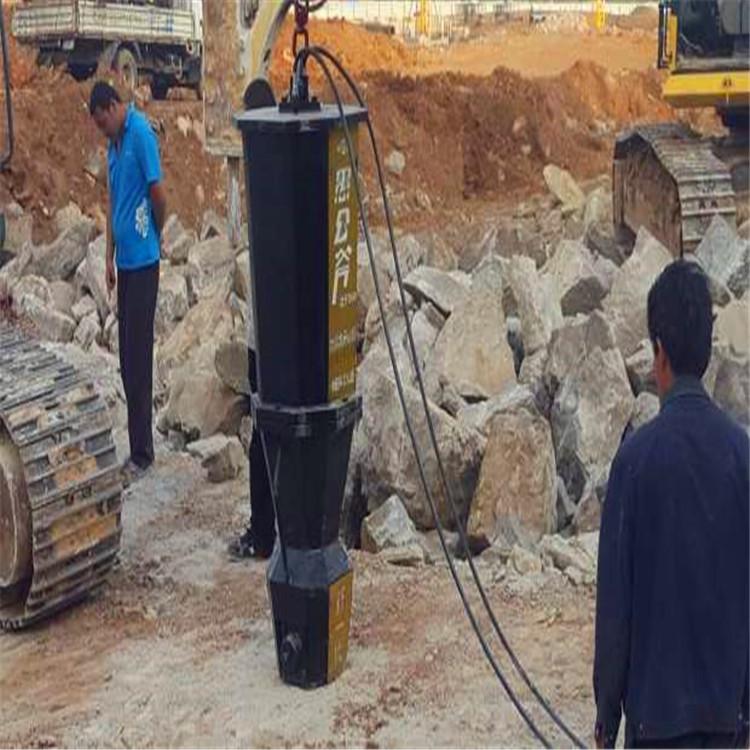 湖南溆浦土石方工程开挖玄武岩分石机一天开采量铁矿石