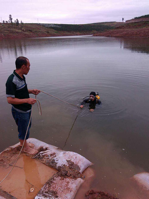 贵州册亨水下堵漏《水下打捞》当地施工单位