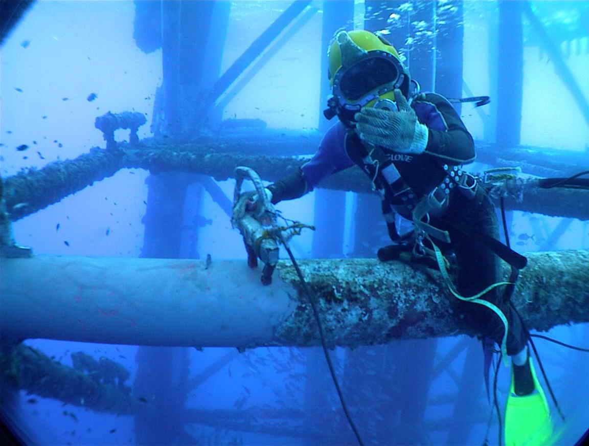 蚌埠-水下安裝管道-奮發圖強