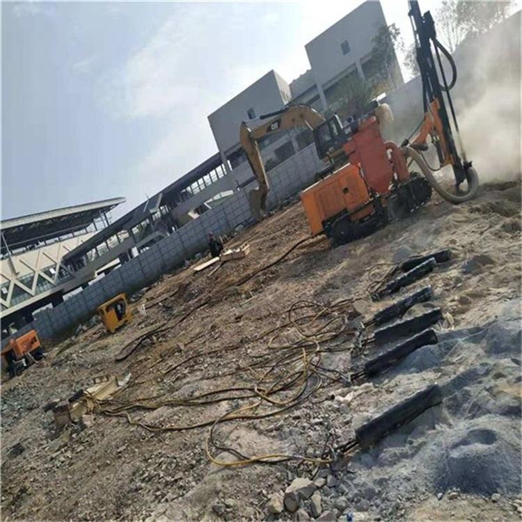 抚州挖掘机挖不动剥离硬石裂石机批发/