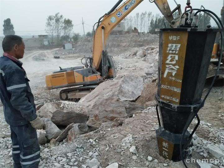 临沂沂南人工挖孔桩基岩石太硬打不动有什么办法解决