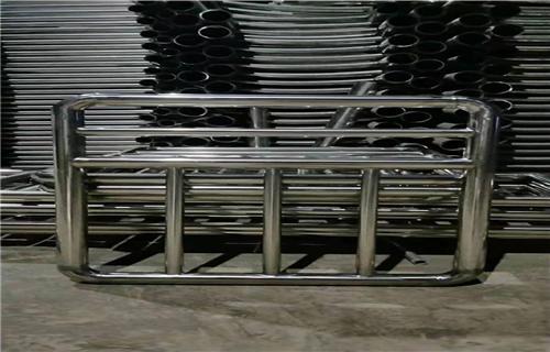 江苏102*2.5不锈钢复合管护栏-亮洁护栏实体工厂