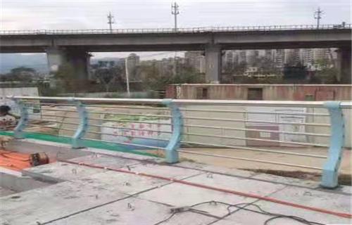 黔西南桥梁复合管防撞护栏新资讯