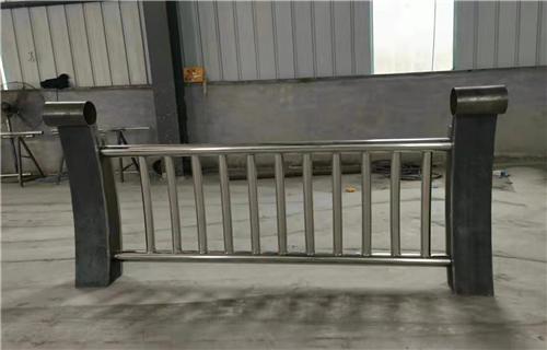西宁不锈钢道路护栏型号多资质全优