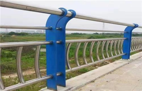 洛阳河道防护不锈钢栏杆美观大方