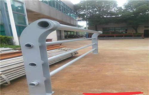 海南桥梁钢板立柱喷塑质量保证