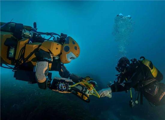潜水作业 ——(新余市力争上游