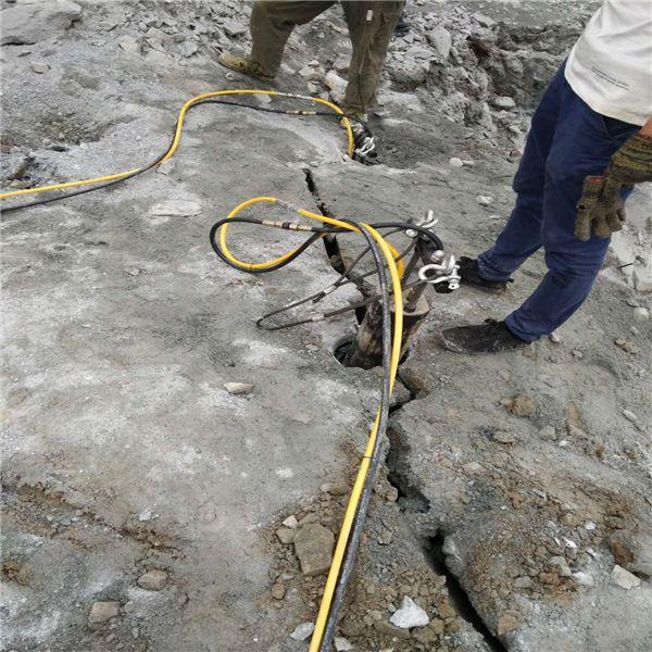 昌都那曲石场开拆高效率液压无噪音劈裂机质量怎么样