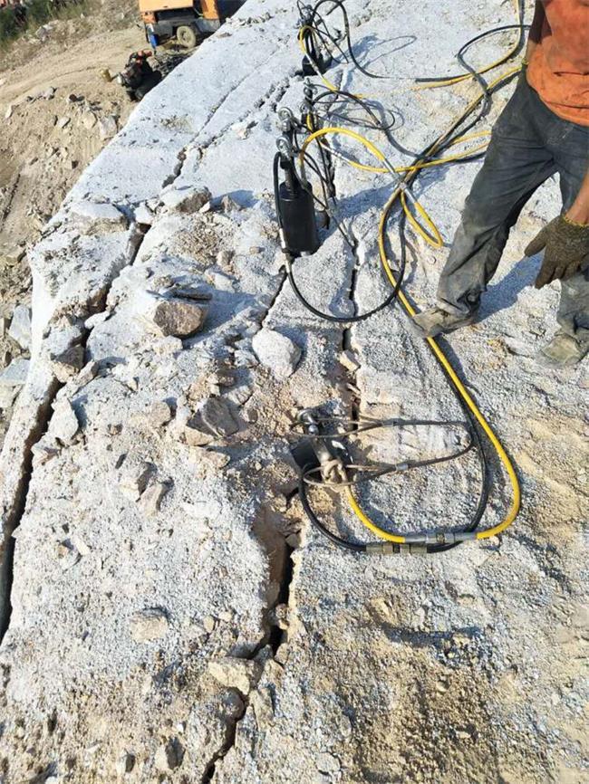 铜陵采石场钩机效率太慢劈裂棒