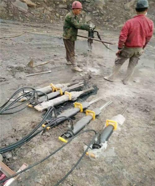江西大型矿山开采劈裂机分裂器