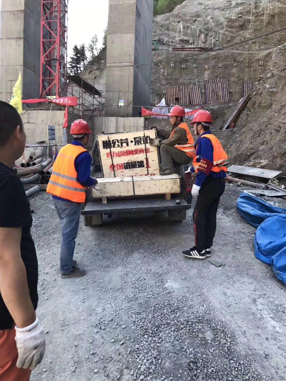 江西土石方工程破碎石头劈裂机破石好方法