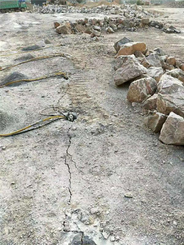 湖南矿山开采花岗岩坚硬岩石分裂机