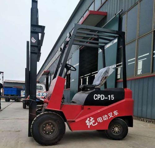 青海四轮电动叉车堆高电动叉车电动叉车那里有卖的