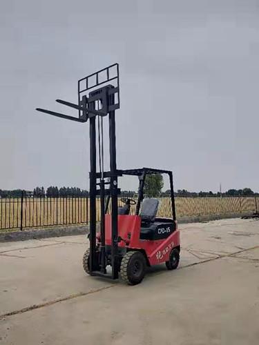 锦州四轮电动叉车堆高电动叉车电动叉车那里有卖的