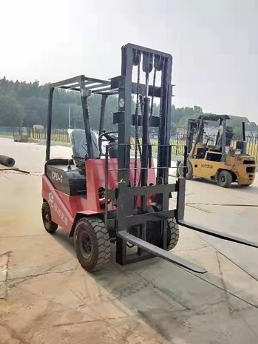 黑龙江四轮电动叉车堆高电动叉车电动叉车那里有卖的